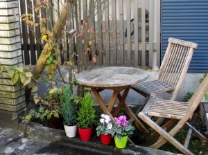 シンプルな花壇